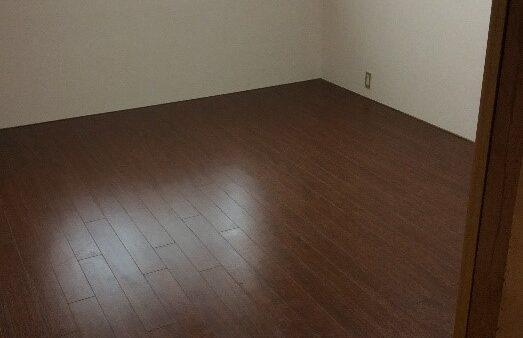 床を新しくして気持ちの良いお部屋に